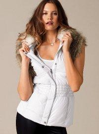 Pokud se vám dámská vesta líbí, tak si ji jděte koupit již ...